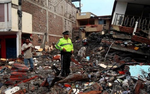 Жертвами землетрясения вгосударстве стало покрайней мере 272 человека— Эквадор