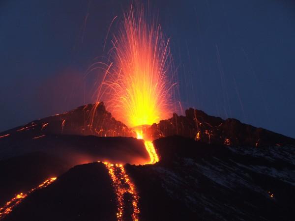 Как сделать красивый вулкан