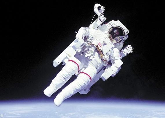 Около 4000 человек хотят стать канадскими астронавтами