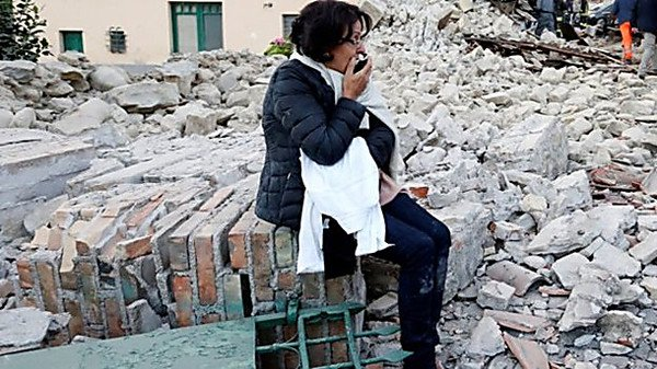 СМИ говорили о пропаже при землетрясении вИталии 100 человек