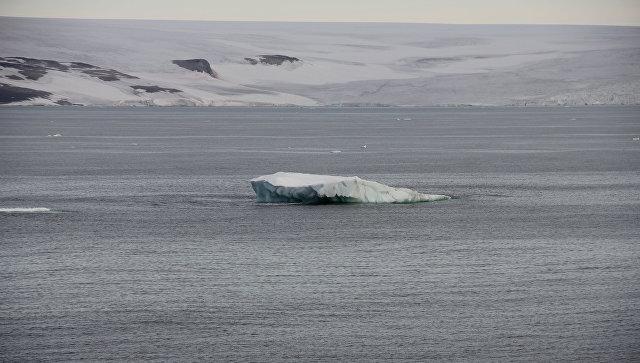 Гренландский ледник дал трещину