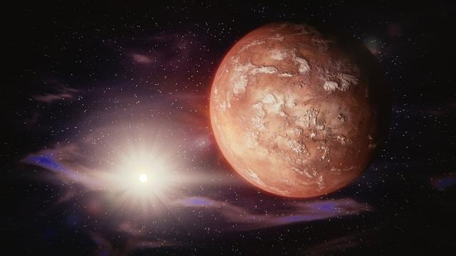 Прежде, чем отправиться наМарс, астронавты колонизируют Луну