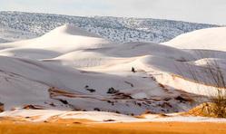 В Сахаре снова выпал снег