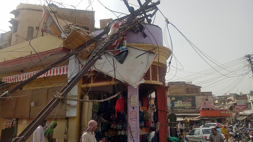 Песчаная буря в Индии унесла жизни более 100 человек