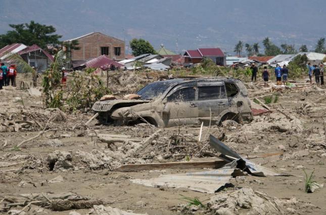 Число жертв землетрясения на Сулавеси приближается к 2000