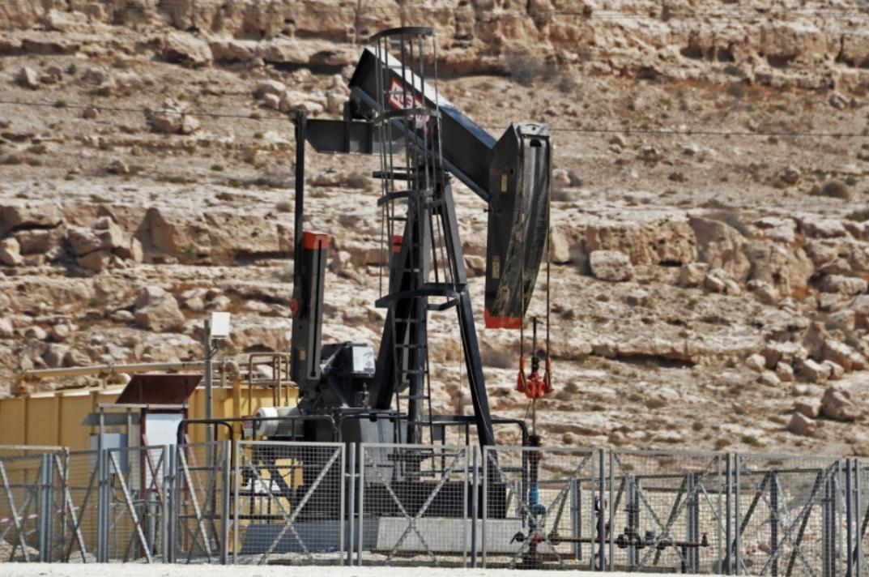 Почему нефть стала резко падать в цене