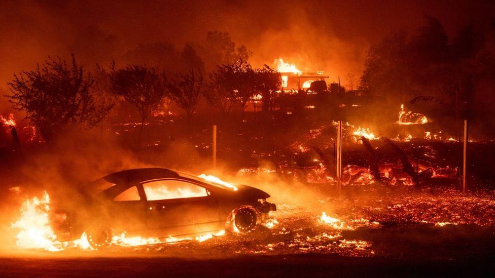 Калифорния снова в огне – город Парадайс полностью сгорел