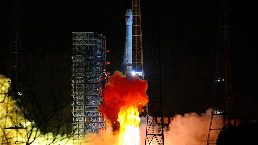 Китайцы первыми добрались до  обратной стороны Луны