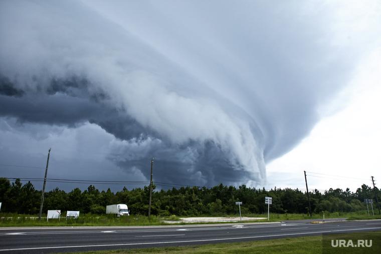 В США торнадо унесли жизни более, чем 20 человек