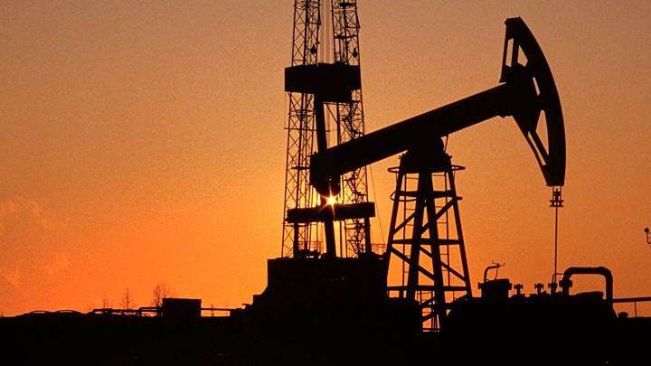 Цены на нефть подобрались к отметке в 70 долларов за баррель