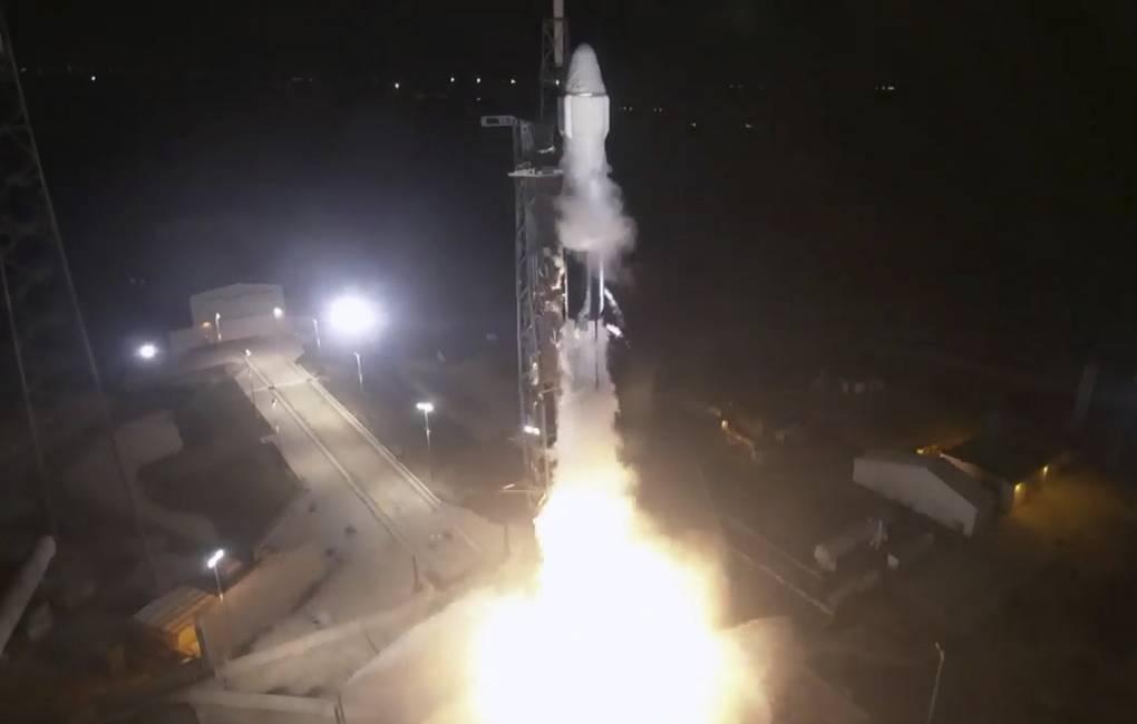 SpaceX отправила Dragon с грузом для МКС