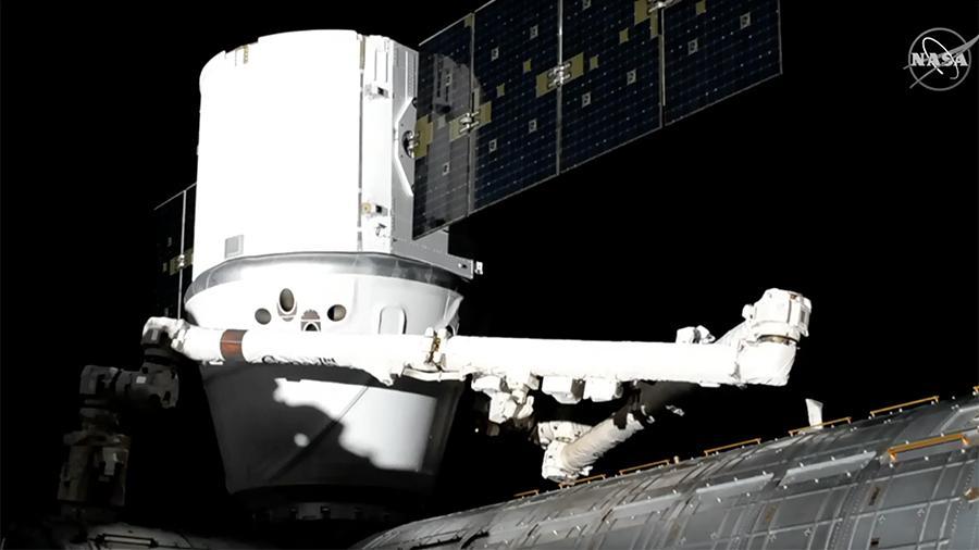 Dragon успешно пристыковался к МКС