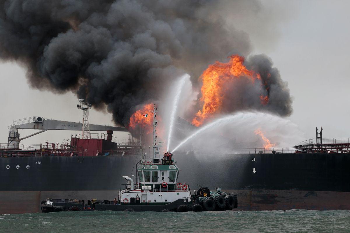 В ОАЭ произошел взрыв на танкерах с нефтью