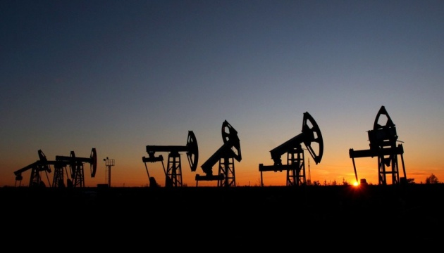 Цены на нефть стабилизировались у отметки выше 70 доллар за баррель