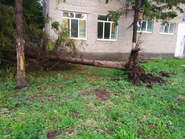 По Альметьевску прошелся сильный ураган