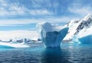 Арктический лед тает, а в Антарктиде – растет