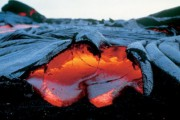 Ученые изобрели искусственную лаву для имитации извержений вулканов