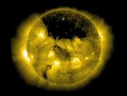 На Солнце образовалась огромная корональная дыра