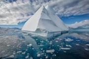 Российские ученые научились буксировать айсберги