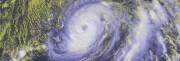 "Шторм ""Николь"" достиг силы урагана"